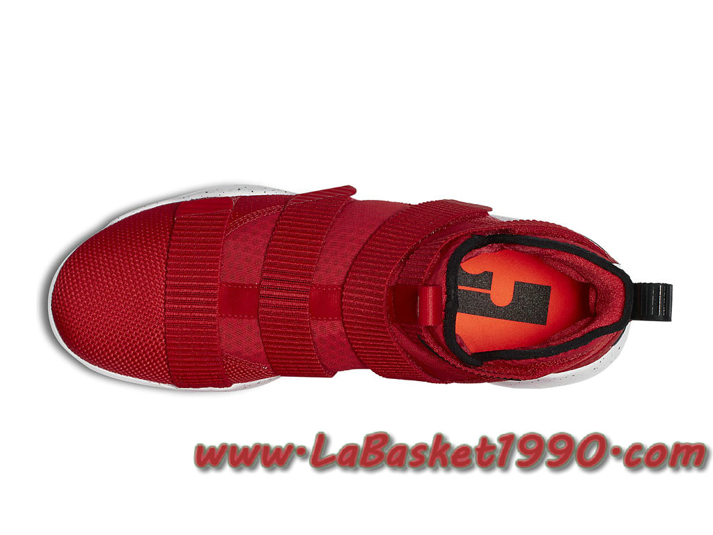 3e93bc6c8ff5 ... Nike Lebron Soldier 11 University Red 897644-601 Men´s Nike Basketball  Shoes Red ...